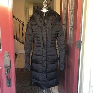 T Tahari Black Puffer Coat Size Small
